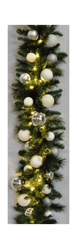 Christmas at Winterland WL-GARBM-09-ICE-LWW 9 Foot Pre-Lit Warm White