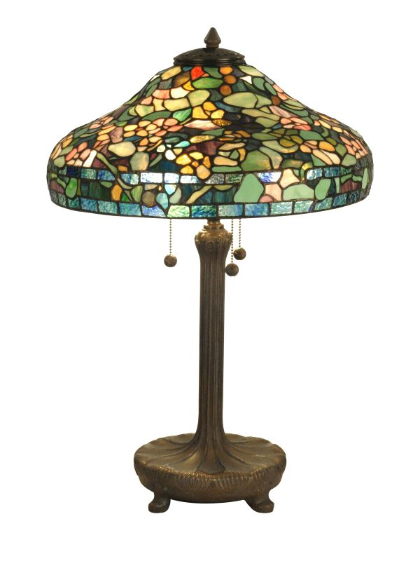 light tiffany table lamp with art glass shade. Black Bedroom Furniture Sets. Home Design Ideas