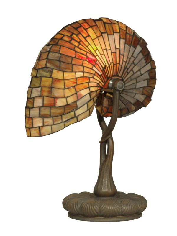Dale Tiffany TT90434 Victorian 1 Light Shell Tiffany Table Lamp with