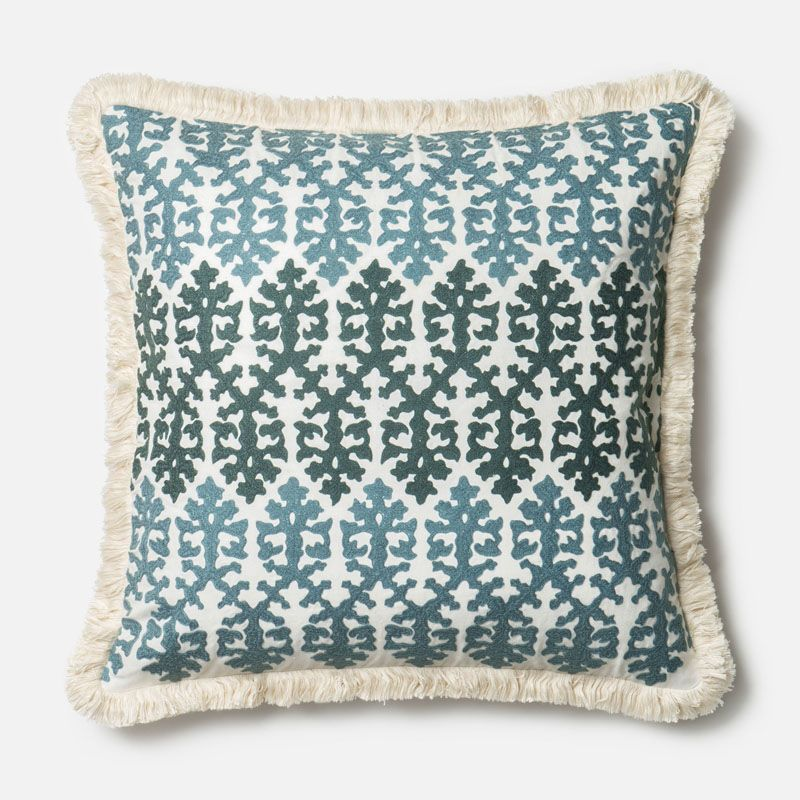 Loloi Rugs P0321 Blue and White Blue and White Pillow with Cotton